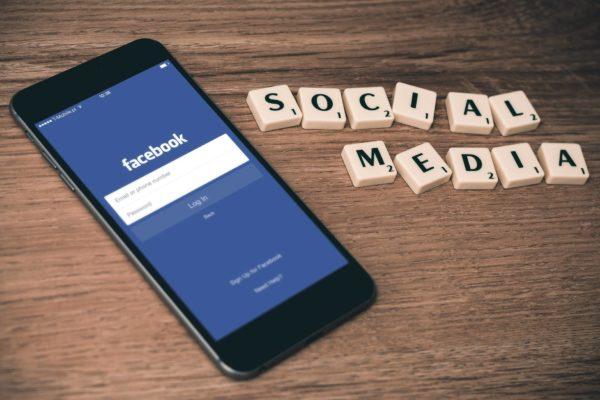 Social media: survive a negative campaign